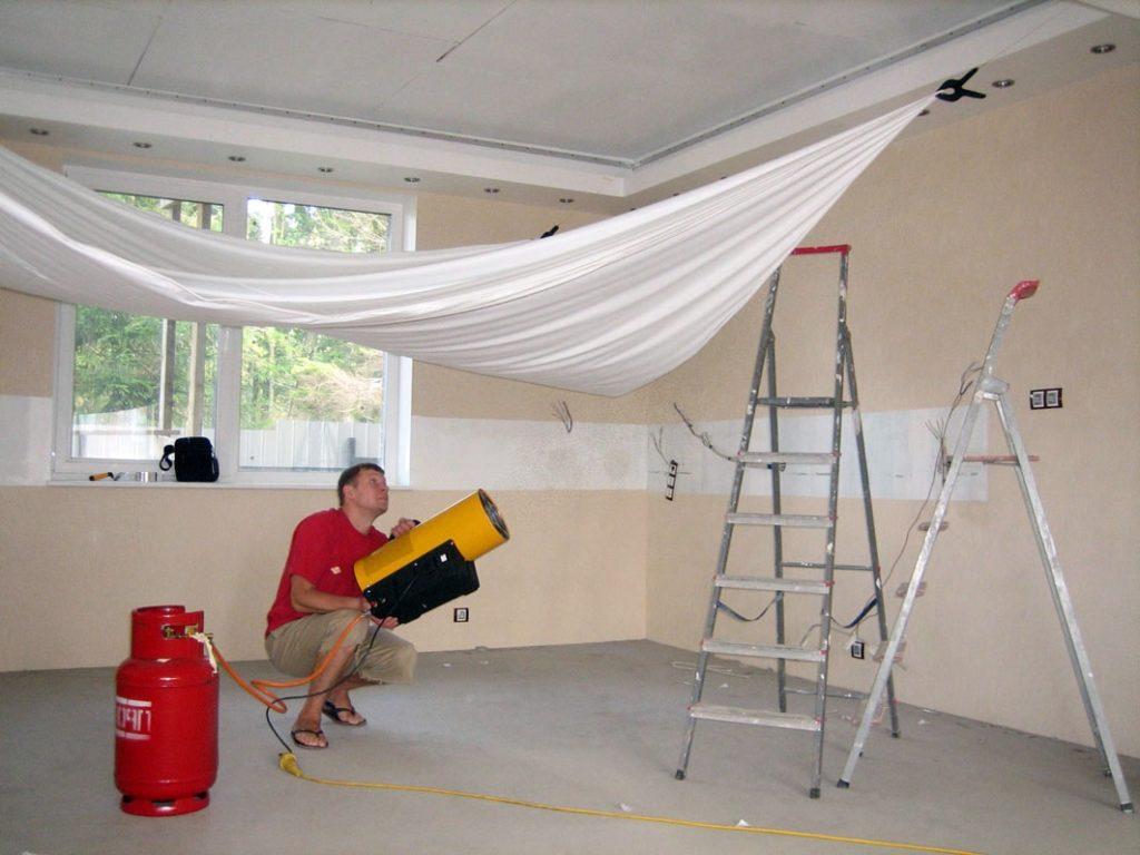 Как сделать монтаж натяжных потолков своими руками