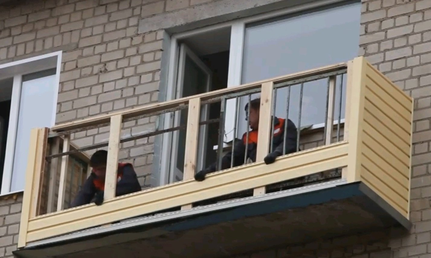 Как застеклить балкон в хрущевке своими руками фото