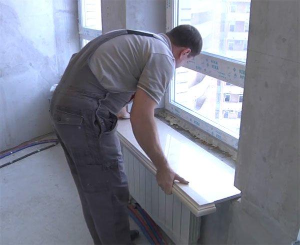 Установку тяжелых конструкций лучше доверить специалистам