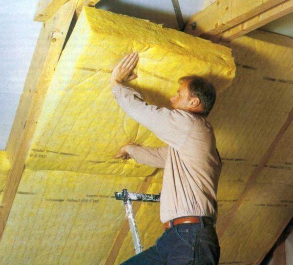 Как утеплить потолок изнутри дома