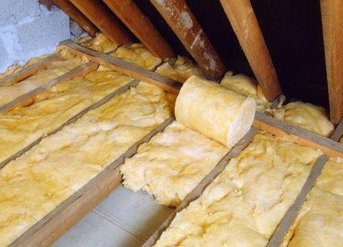 Утепленное перекрытие чердака позволить сохранить тепло в пределах жилого помещения