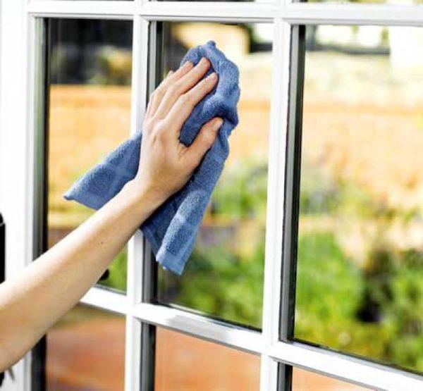 В процесс мытья окон есть много нюансов, но знают о них далеко не все