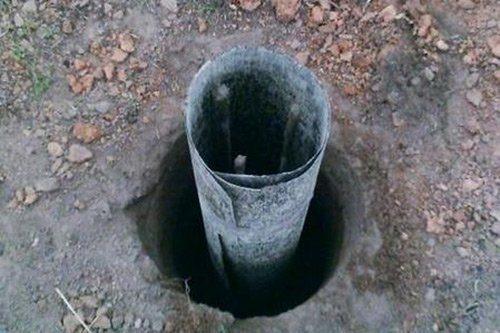 Вертикальная гидроизоляция свайного и столбчатого фундамента осуществляется на этапе его монтажа