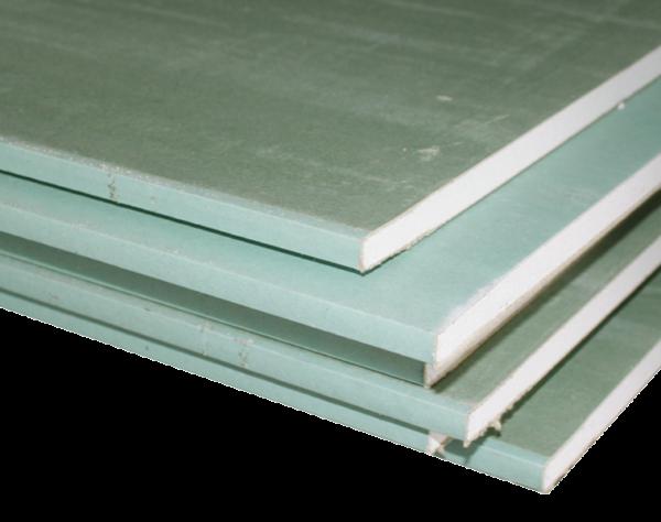 Влагостойкий гипсокартон легко узнать по зеленому цвету поверхности.