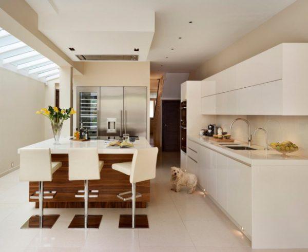 Выбирайте оттенок белого в зависимости от расположения окон кухни