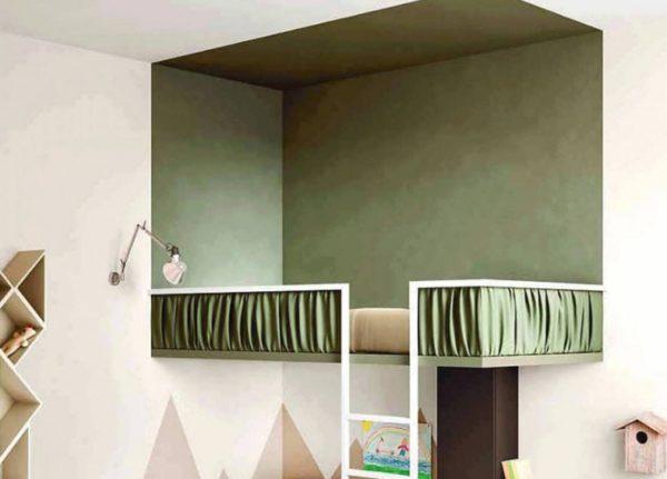 Выделение зоны кровати темным цветом — оригинальное решение