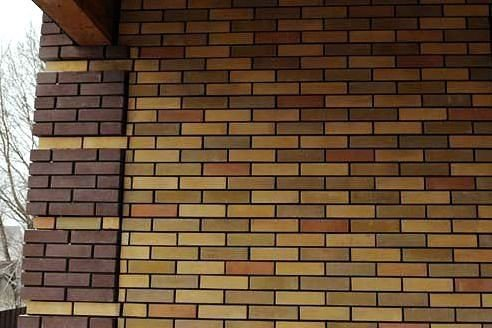 Баварская кладка кирпича в Нижнем Новгороде: цветная, пестрая и многоцветная