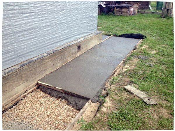 Заливка бетоном.
