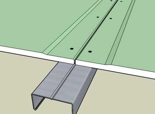 Зазор между листами должен составлять 2 мм