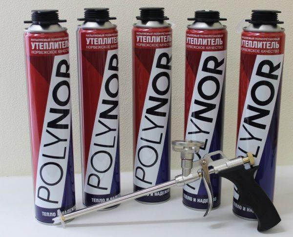 Жидкий пенополиуретан продается и в баллонах для небольших объемов работы